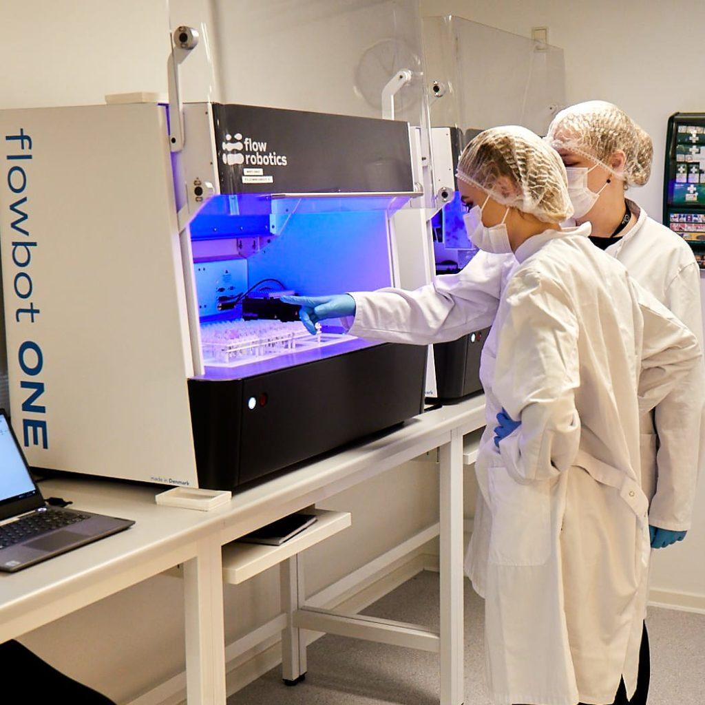 Välj rätt vätskehanteringsrobot LAB Sweden